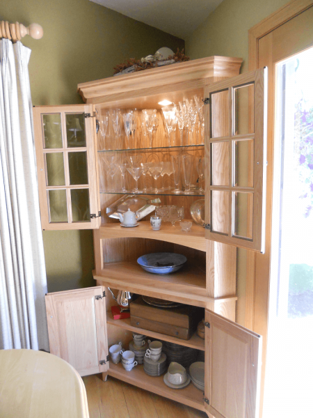 China Cabinet Lives Up To Expectations
